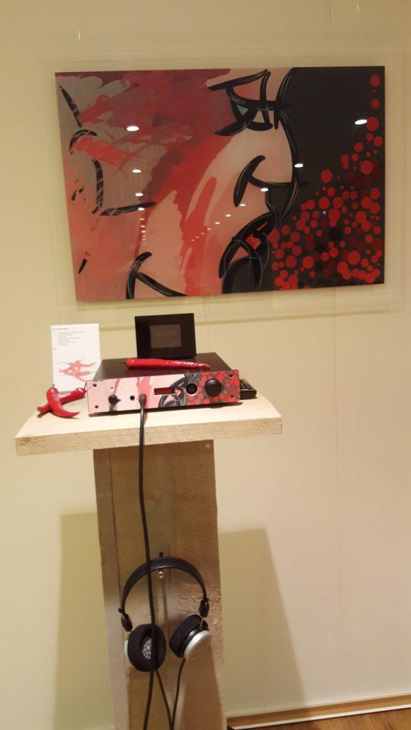 Cyenne Contralto met kunst van Marcel Donk op de front geprint.